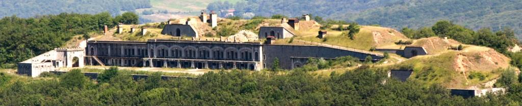 Vue des façades, rez-de-chaussée et étage